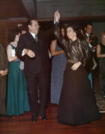 Rafael Caldera Bailando con su esposa