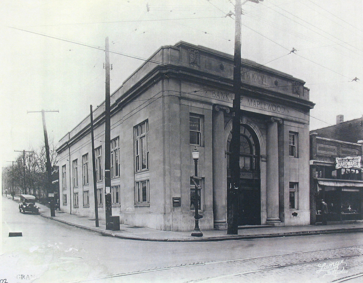 The third and final building used by the Bank of Maplewood as same.  The name was changed to Pioneer Bank while still in this building.  Pioneer Bank moved to the NW corner of Folk and Big Bend when this building was razed.  they later changed their name to National City and now PNC.