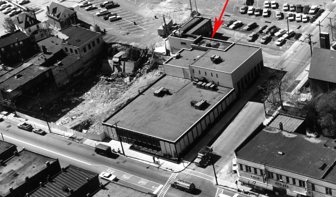 By 1967, when this photo was taken, Golde's,destroyed by fire in 1966, had not yet been replaced.  Citizen's Bank had greatly expanded their building displacing western Auto and absorbing the drive in banking facility as well.