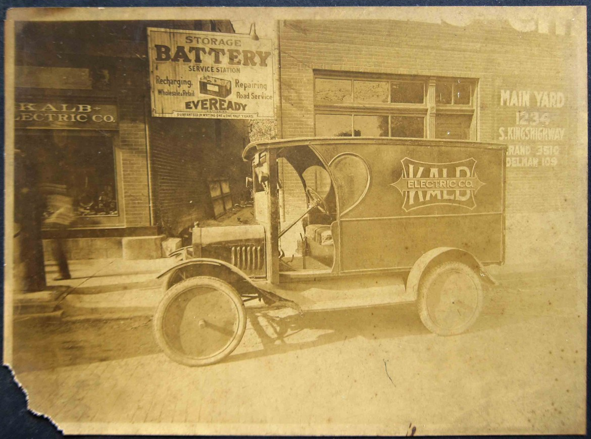 What a great image of this very early, probably 19 teens delivery truck!