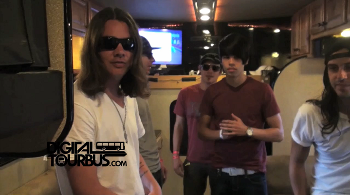 Red Jumpsuit Apparatus – BUS INVADERS Ep. 366