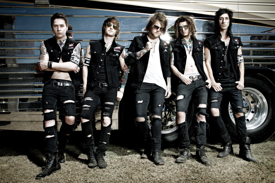 "Asking Alexandria Announce UK ""From Death To Destiny Tour"""