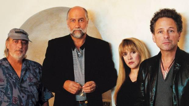 """Fleetwood Mac Announce Second Leg of """"On With The Show Tour"""" Dates"""