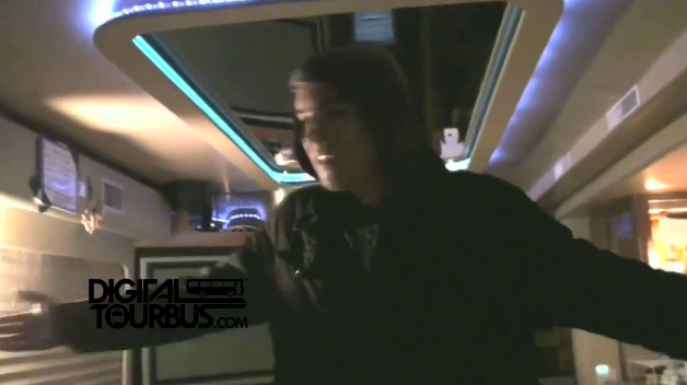 Attack Attack! – BUS INVADERS Ep. 19