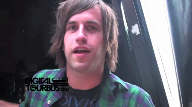 Emarosa – BUS INVADERS Ep. 143