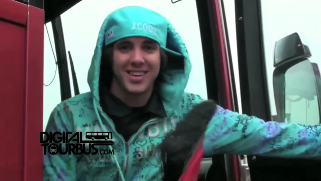 Forever The Sickest Kids – BUS INVADERS Ep. 84