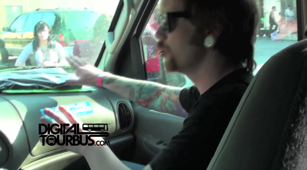 iwrestledabearonce – BUS INVADERS Ep. 93