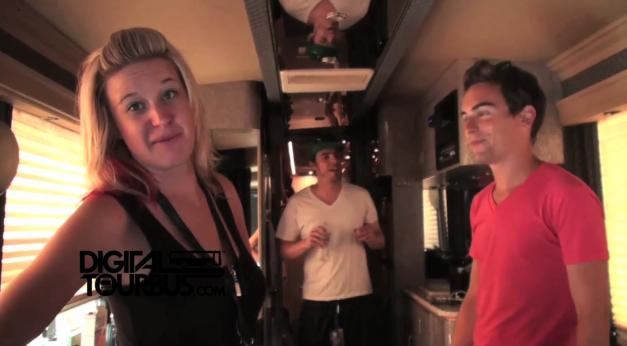 Kelsey and the Chaos! – BUS INVADERS Ep. 189 (Warped Edition)
