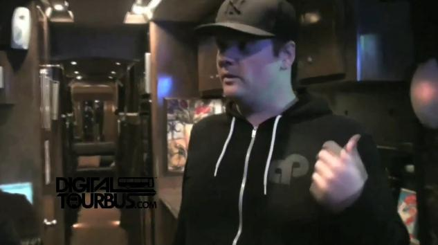 Less Than Jake – BUS INVADERS Ep. 25