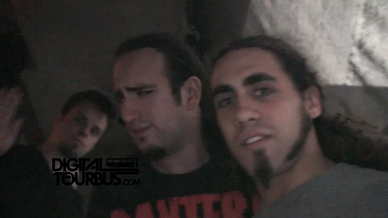 Powerglove – BUS INVADERS Ep. 378