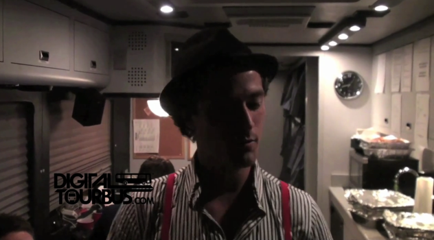 Runner Runner – BUS INVADERS Ep. 150
