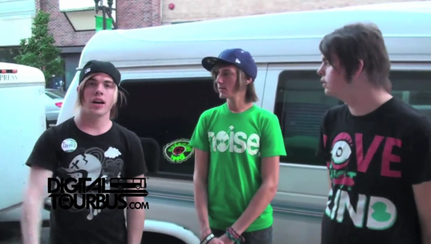 Set It Off – BUS INVADERS Ep. 140