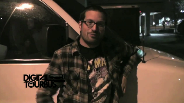 The Color Morale – BUS INVADERS Ep. 98