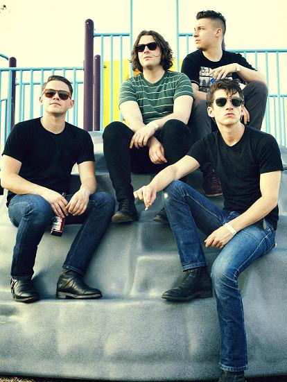 """Arctic Monkeys' """"AM North American Tour"""" – REVIEW"""