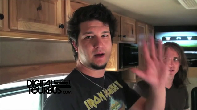 Mindflow – BUS INVADERS Ep. 279