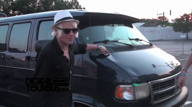 Rocky Loves Emily – BUS INVADERS Ep. 215