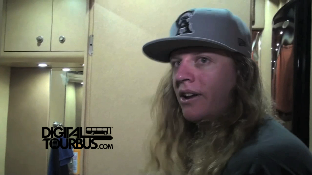 Dirty Heads – BUS INVADERS Ep. 400