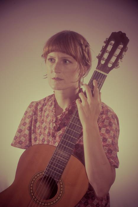 Laura Gibson Announces Summer European Tour with Calexico