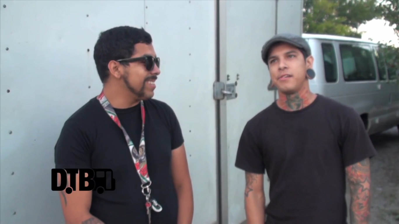Upon A Burning Body – CRAZY TOUR STORIES [VIDEO]