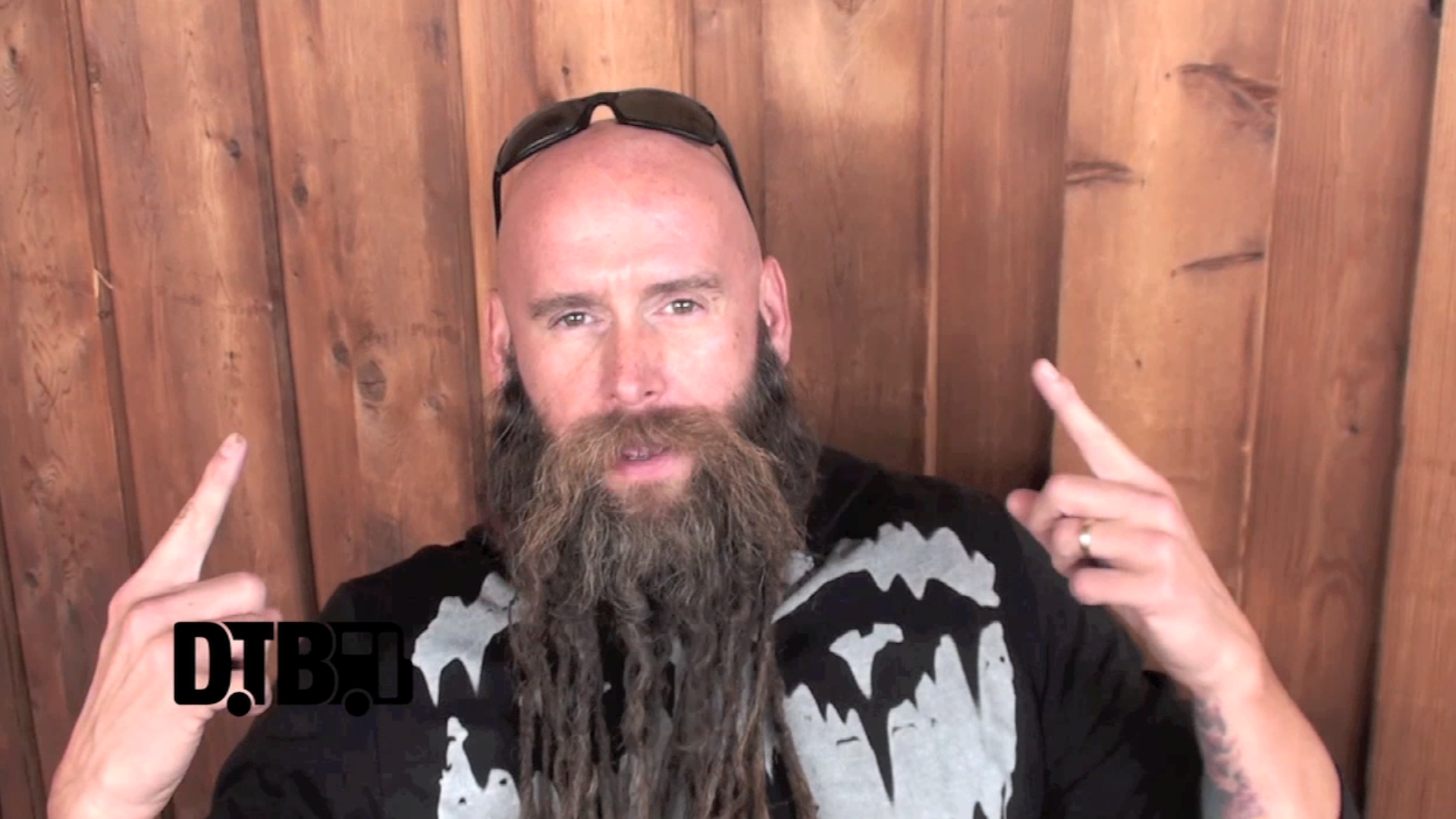 Five Finger Death Punch – CRAZY TOUR STORIES [VIDEO]