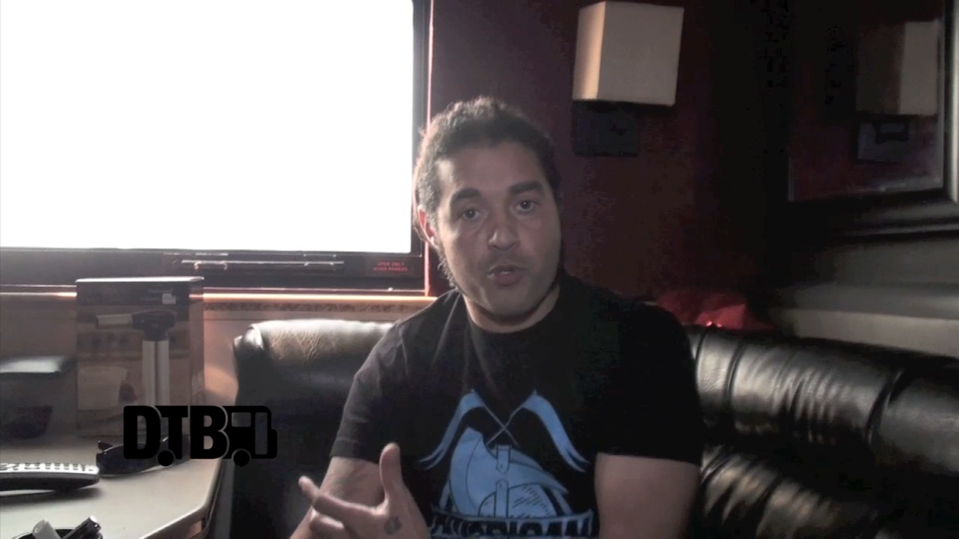 Nonpoint – CRAZY TOUR STORIES [VIDEO]