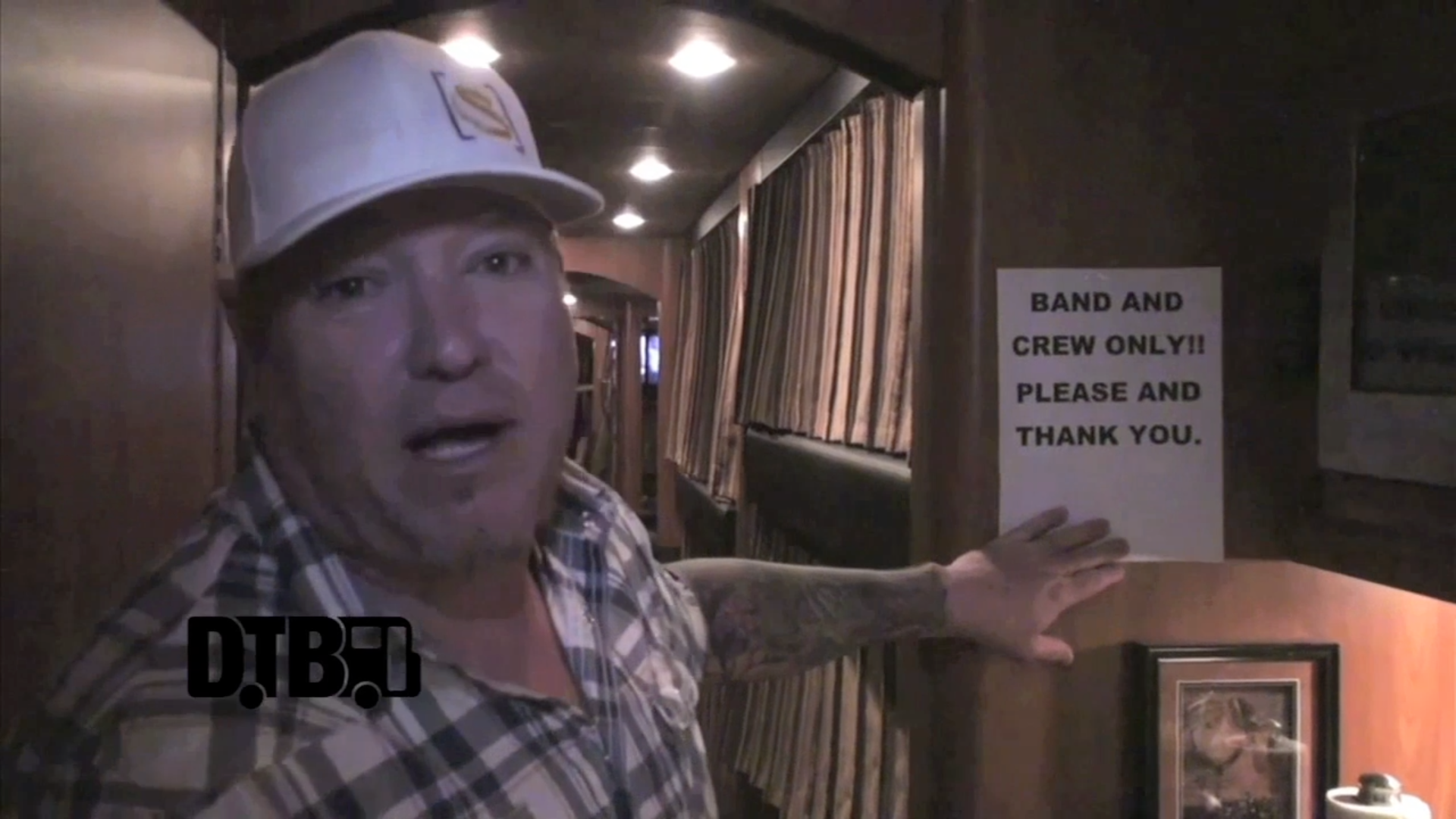 Smash Mouth – BUS INVADERS Ep. 527 [VIDEO]