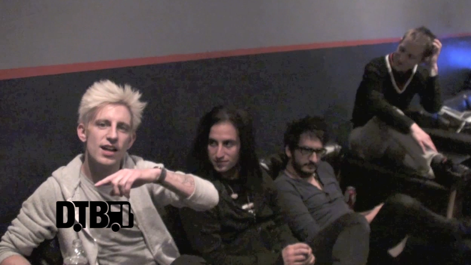 Madina Lake – CRAZY TOUR STORIES [VIDEO]