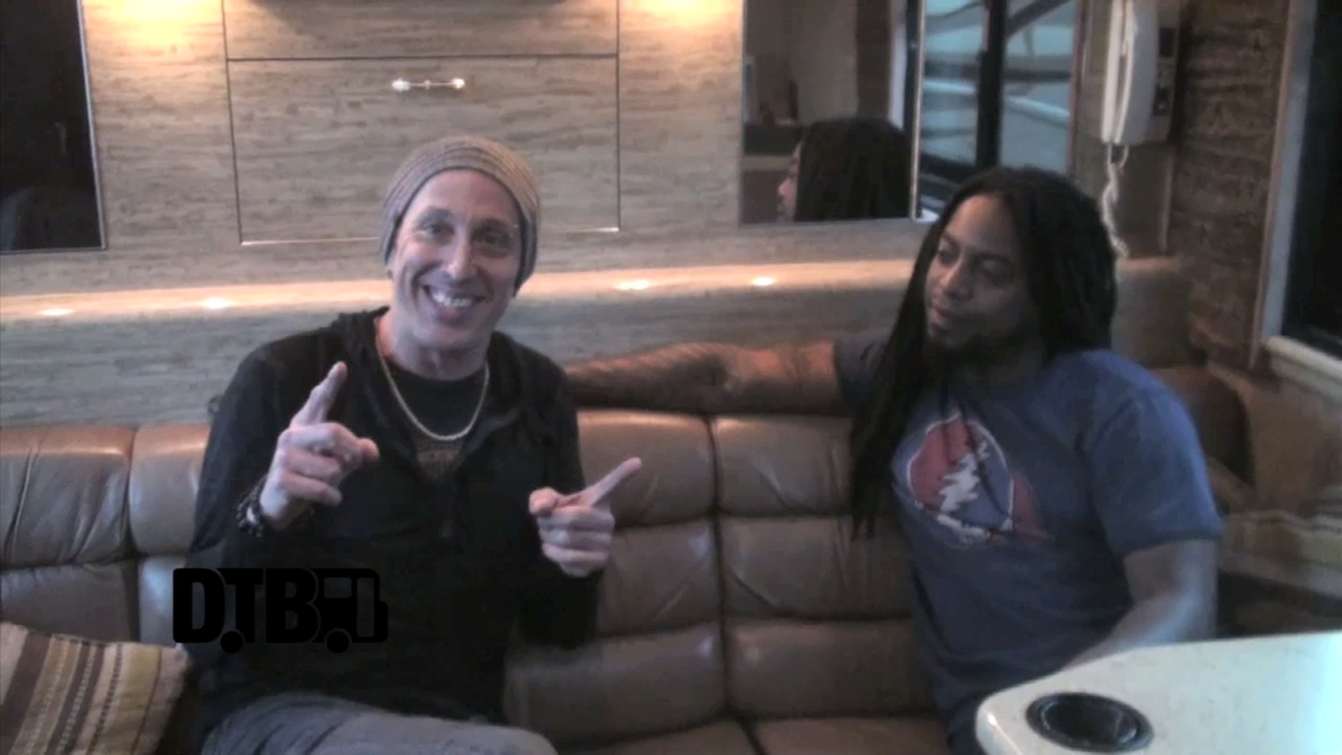 Sevendust – CRAZY TOUR STORIES [VIDEO]