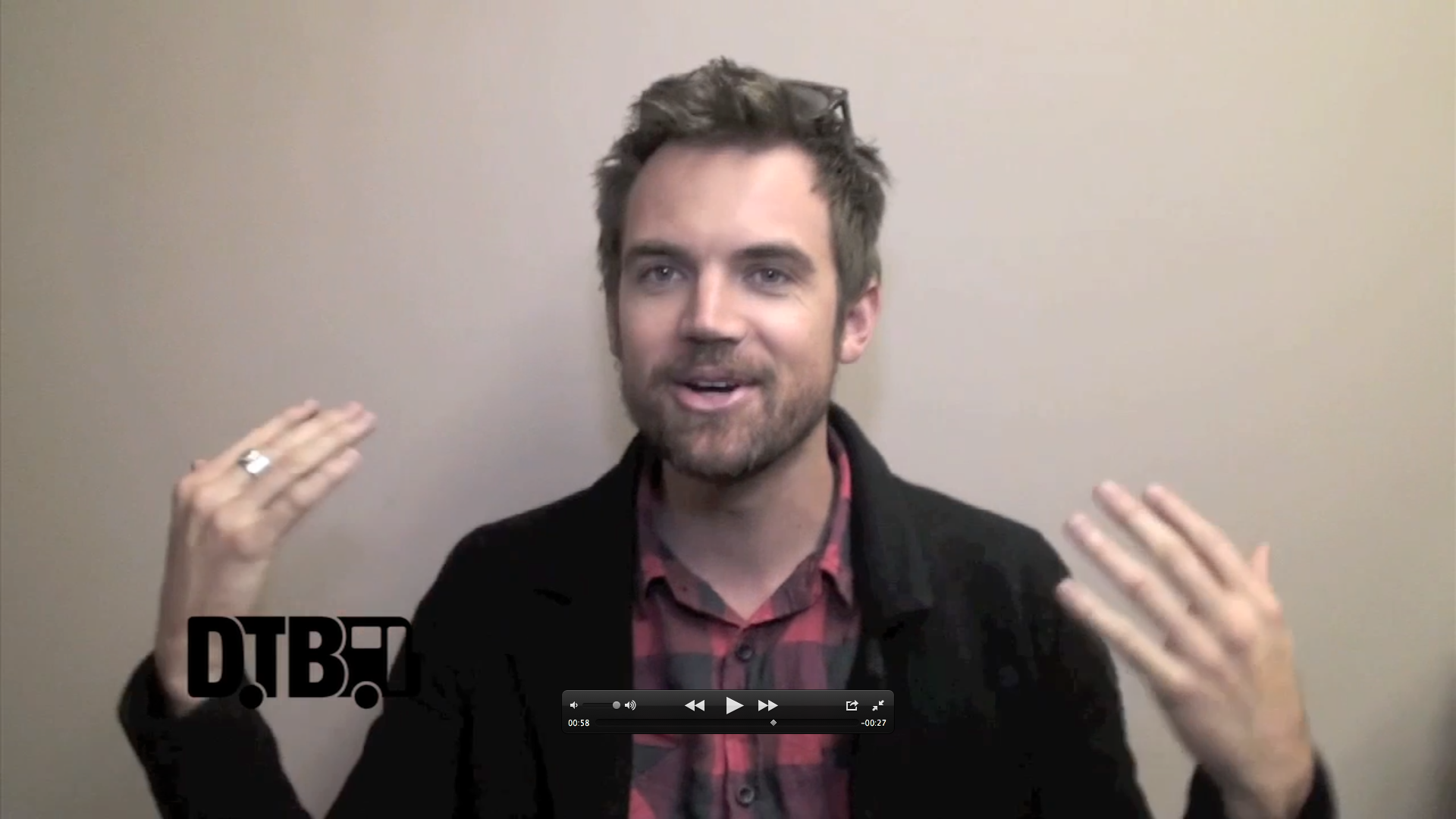 Tyler Hilton – CRAZY TOUR STORIES [VIDEO]