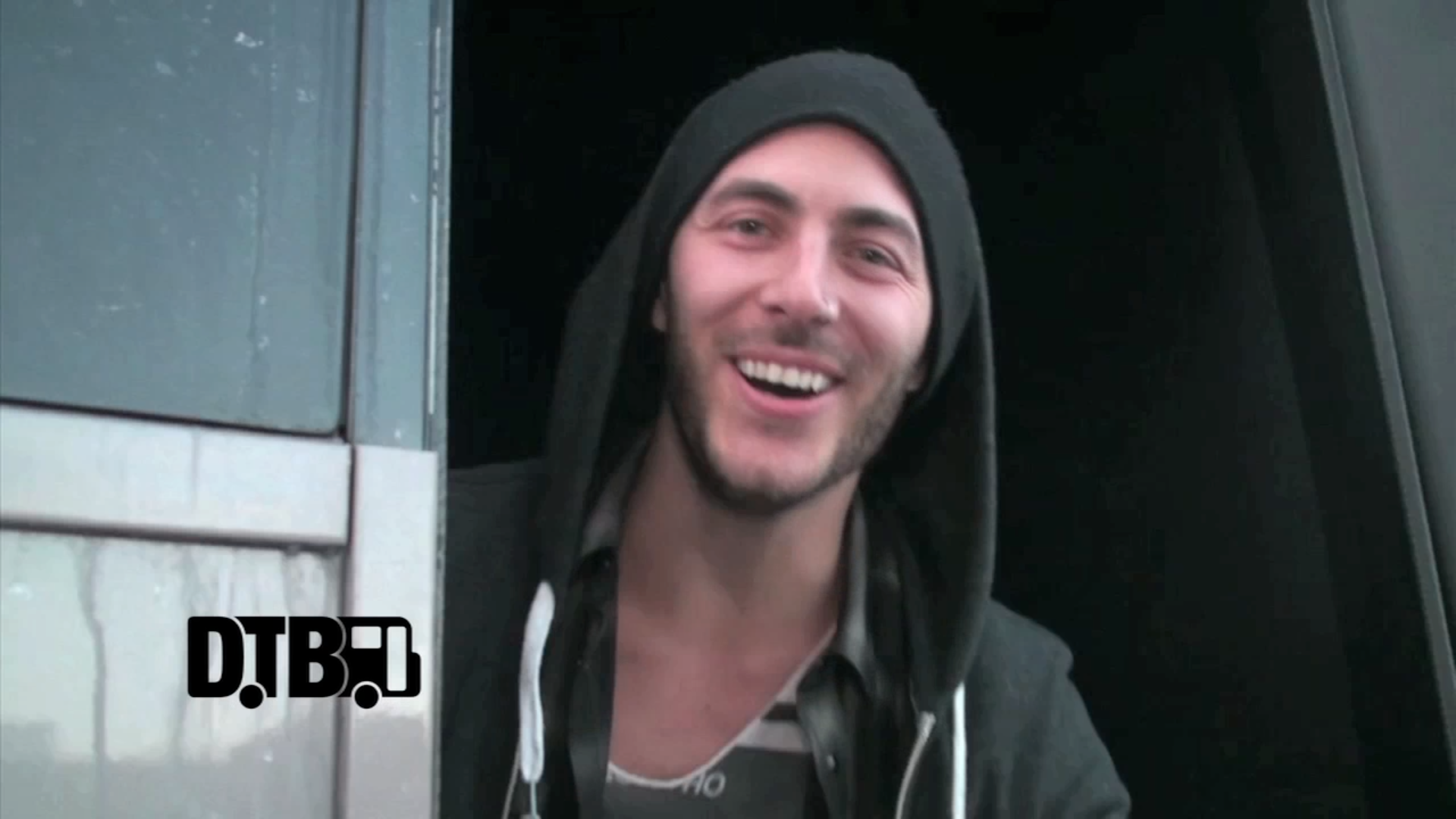 New Politics – BUS INVADERS Ep. 582 [VIDEO]