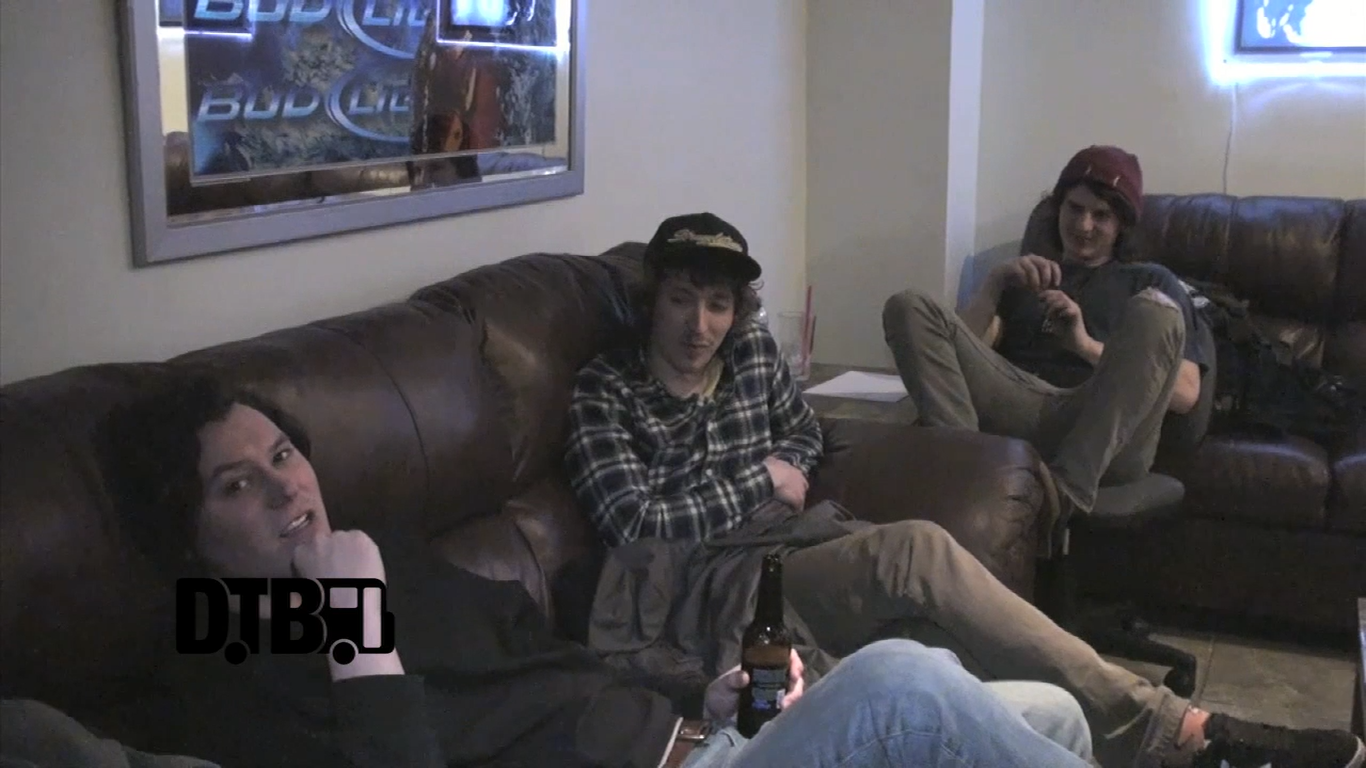 The Front Bottoms – CRAZY TOUR STORIES [VIDEO]