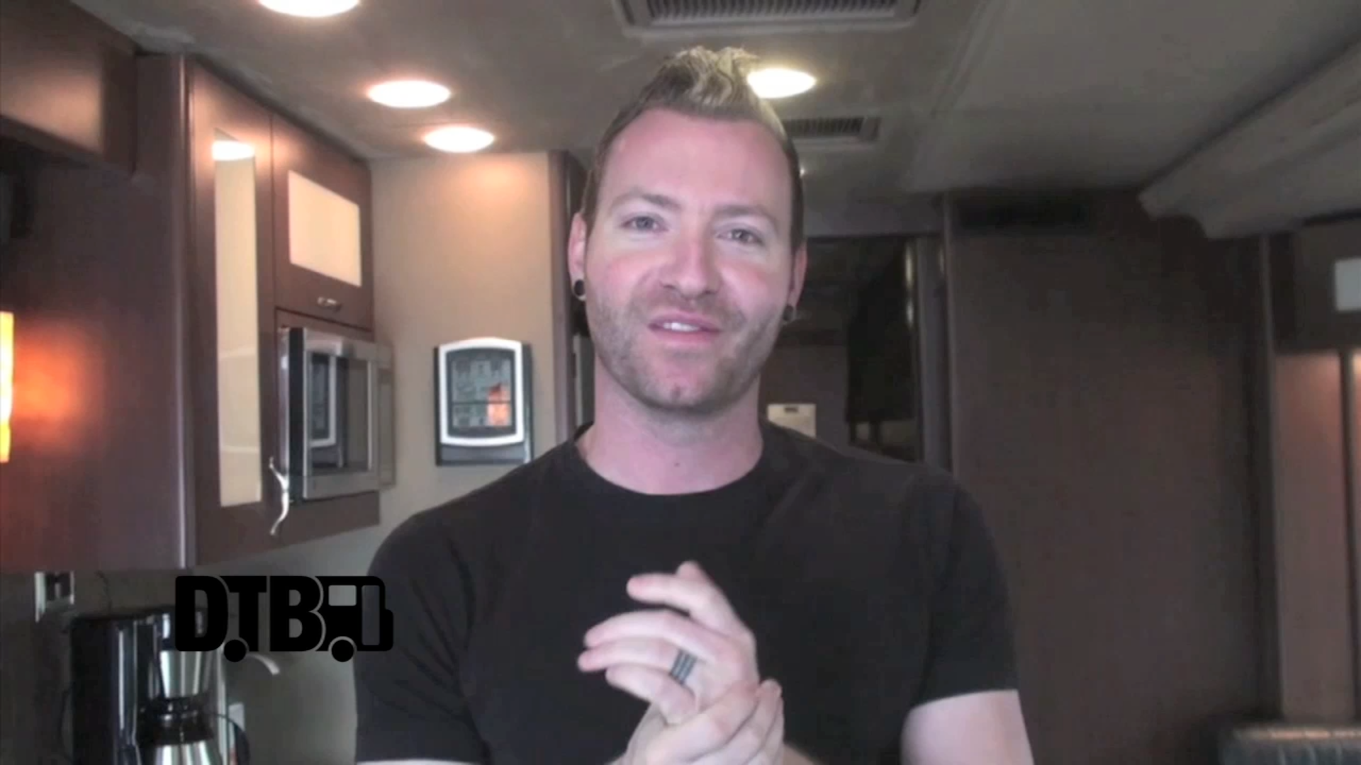 Thousand Foot Krutch – BUS INVADERS Ep. 605 [VIDEO]