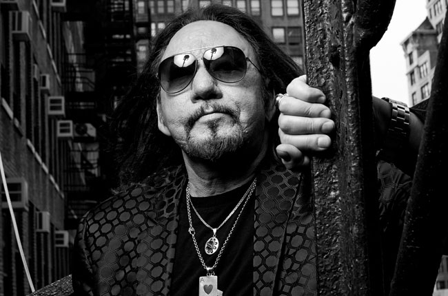 """Ace Frehley Announces """"Space Invader Tour"""""""
