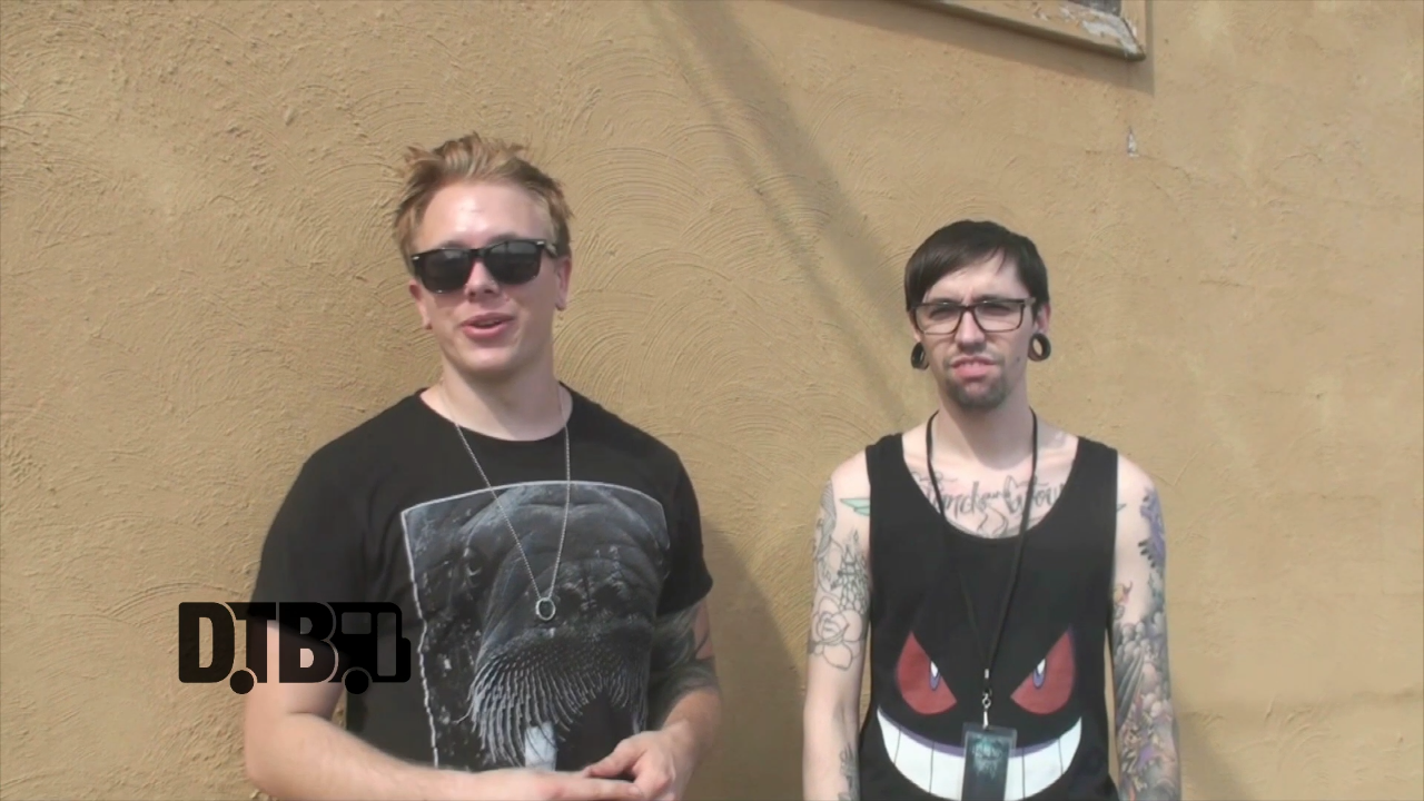 Hail to the King – CRAZY TOUR STORIES [VIDEO]