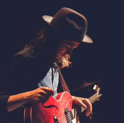 "James Bay Announces ""Chaos And The Calm Tour"""