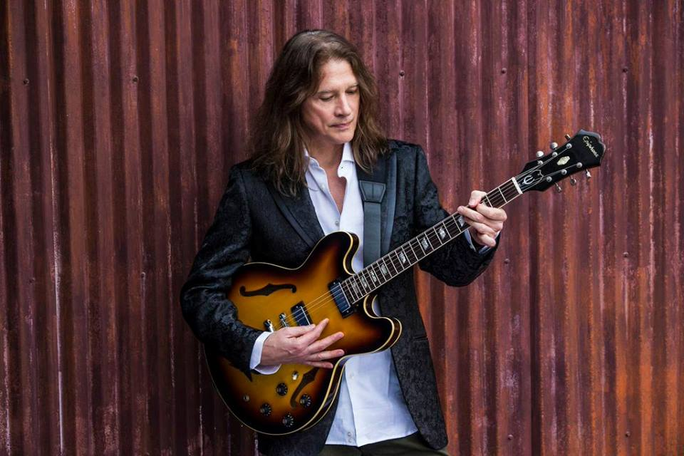 Robben Ford Announces Spring Tour in U.S. and Europe