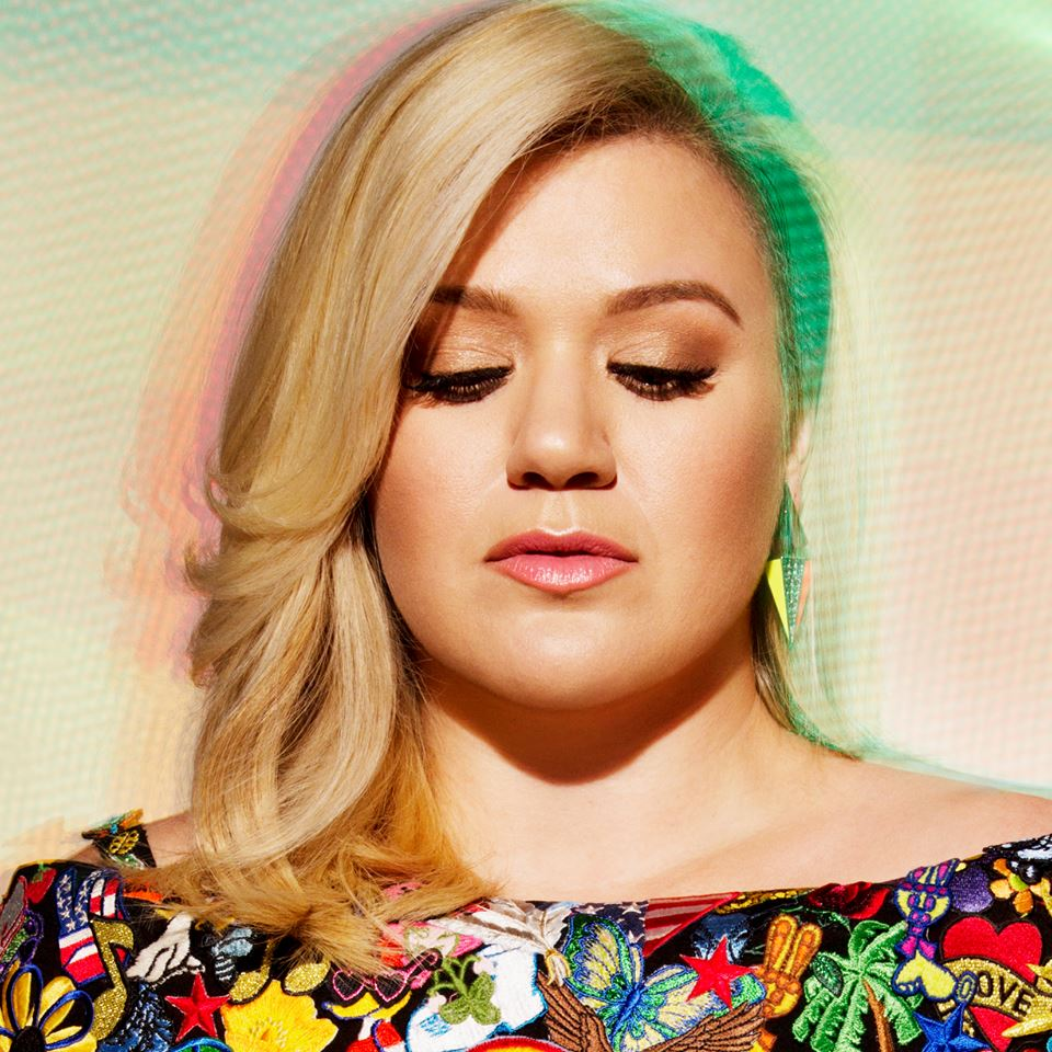 "Kelly Clarkson Announces the ""Piece By Piece Tour"""