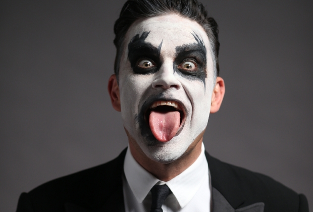 "Robbie Williams Announces Australian Dates for ""Let Me Entertain You Tour"""