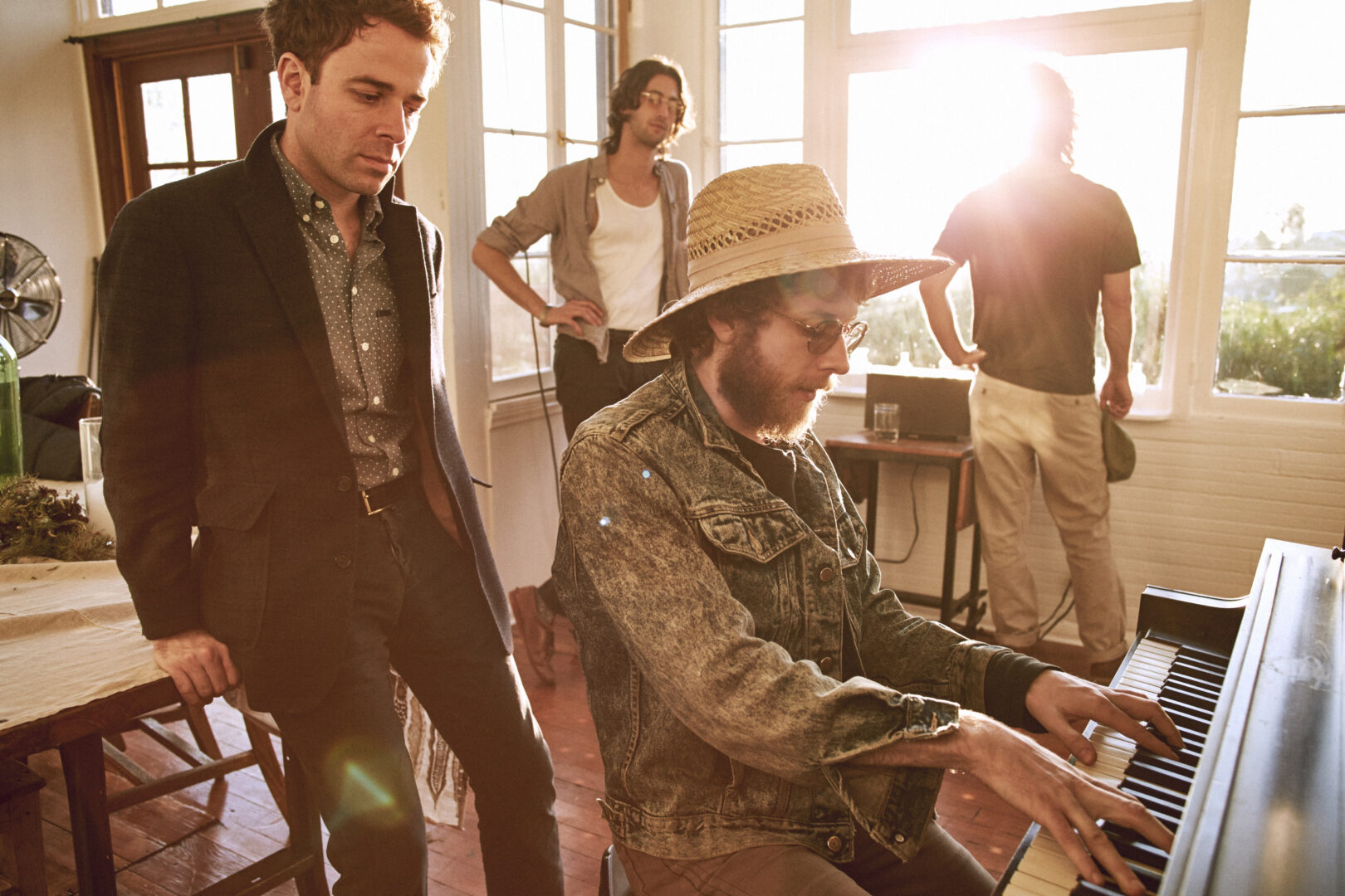 Dawes Announces Brief U.S. Tour