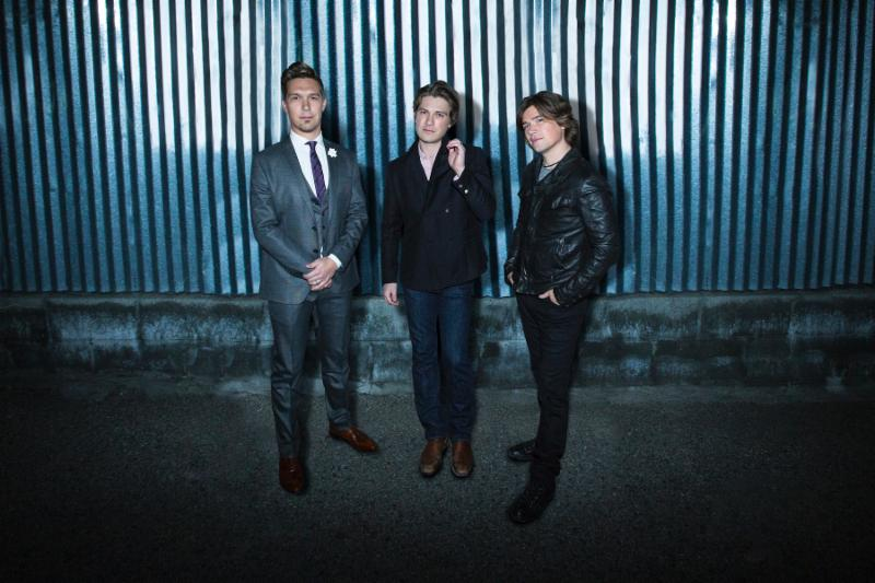 "Hanson Announces ""Roots & Rock N' Roll Tour"""