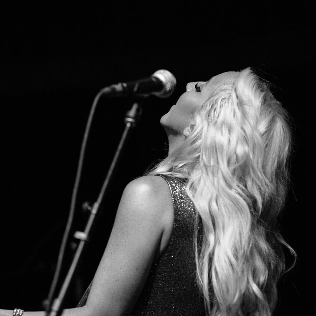 "Ashley Monroe Announces ""The Blade Tour"""
