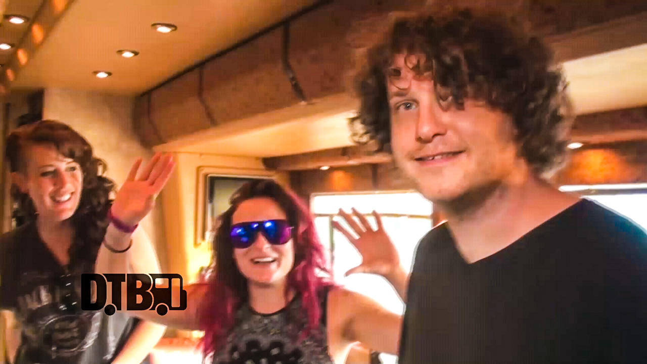 Australian Pink Floyd – BUS INVADERS Ep. 891 [VIDEO]