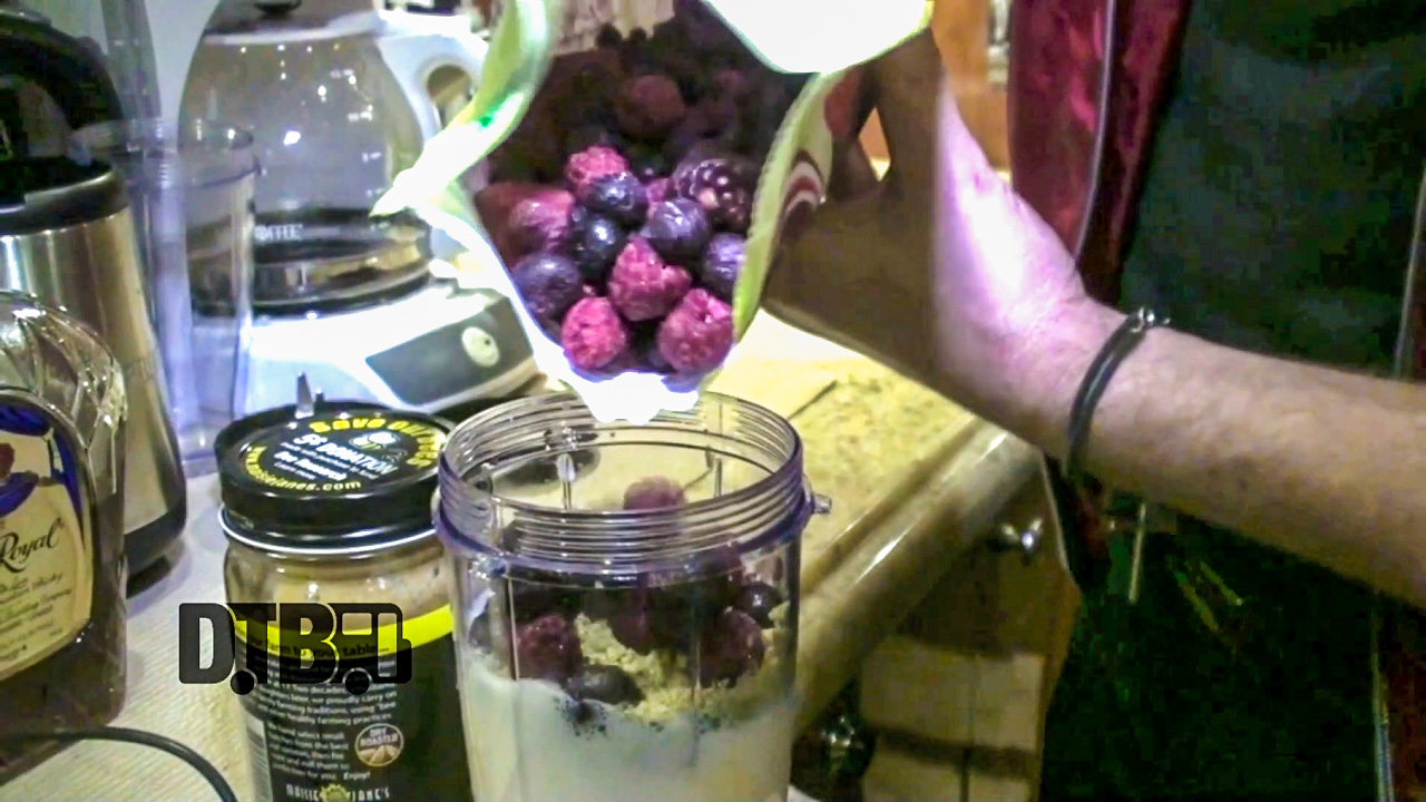 Marianas Trench Makes a Protein Smoothie + PBD Bagel – COOKING AT 65MPH Ep. 10 [VIDEO]