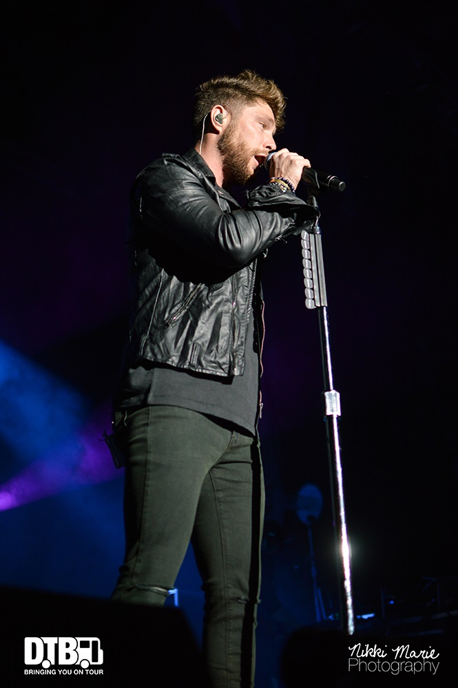 Chris Lane- One Hell Of A Night - Photo10