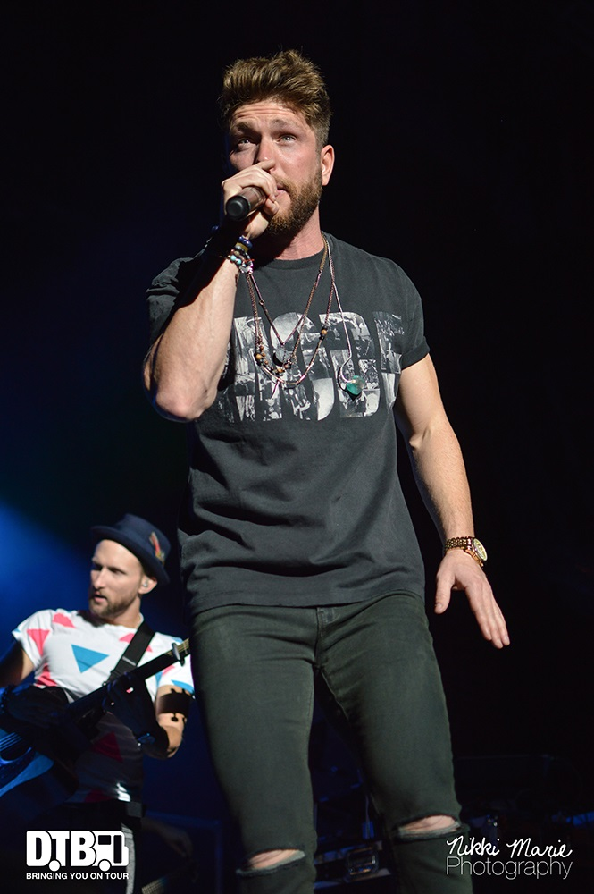 Chris Lane- One Hell Of A Night - Photo14