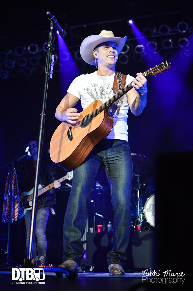 Dustin Lynch- One Hell Of A Night - Photo17