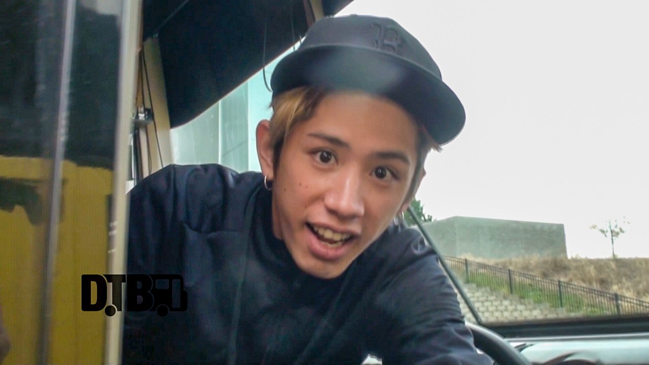 ONE OK ROCK – BUS INVADERS Ep. 902 [VIDEO]