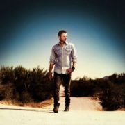 "Dierks Bentley Announces North American ""Somewhere on a Beach Tour"""