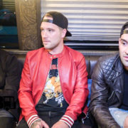 Sleeping With Sirens – CRAZY TOUR STORIES Ep. 585 [VIDEO]