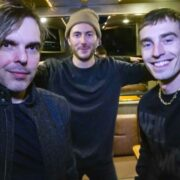 New Politics – BUS INVADERS Ep. 1544 [VIDEO]